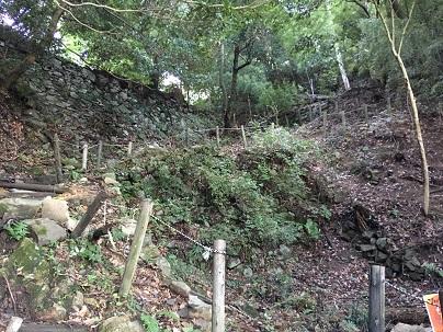 高取城登り口付近