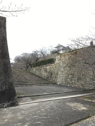 津山城入り口付近から見える備中櫓