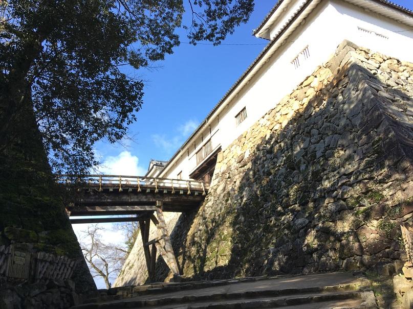 彦根城天秤櫓を下から覗く