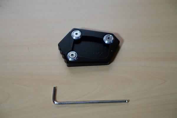 スタンドエンドプレートと六角ボルト工具