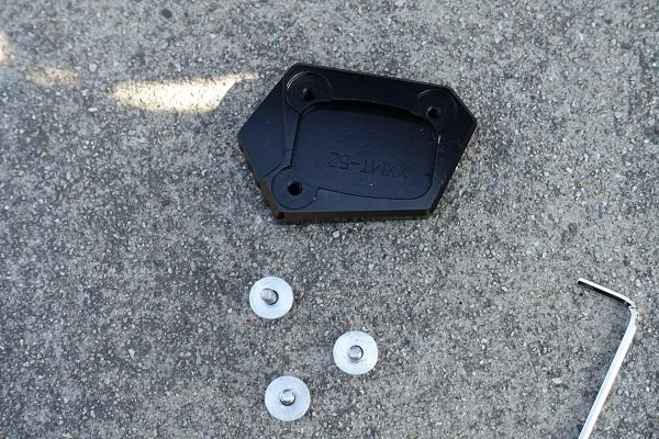 スタンドエンドプレート装着前のボルトを外した状態