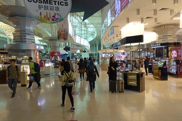 クアラルンプール国際空港2搭乗前免税エリア