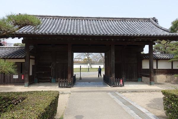 丸亀城玄関先御門