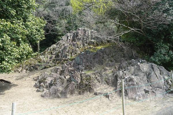 丸亀城かぶと岩