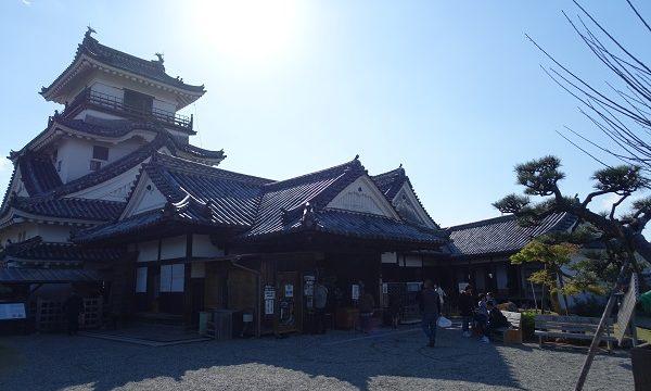 高知城天守閣と本丸御殿