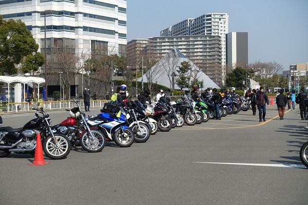 大阪モーターサイクルショー駐車場