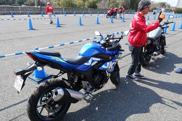 大阪モーターサイクルショー試乗GSX250R