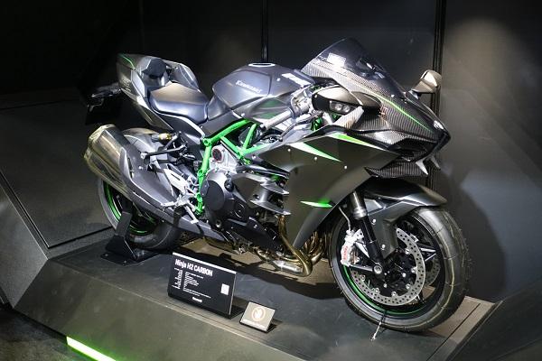 大阪サイクルモーターショーカワサキブースH2