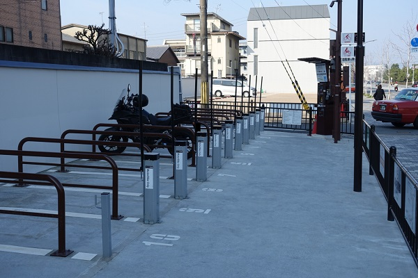 二条城駐輪場