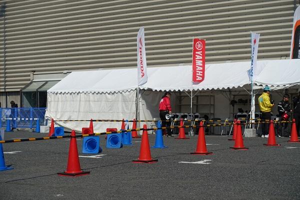 大阪モーターサイクルショー試乗会待機場所