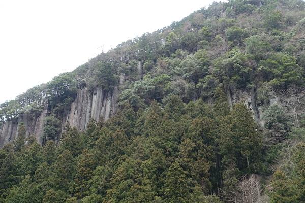 香落狭の屏風岩