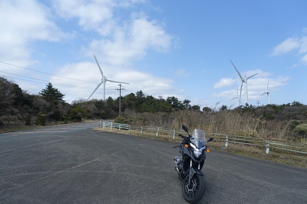 青山高原-風車とバイク