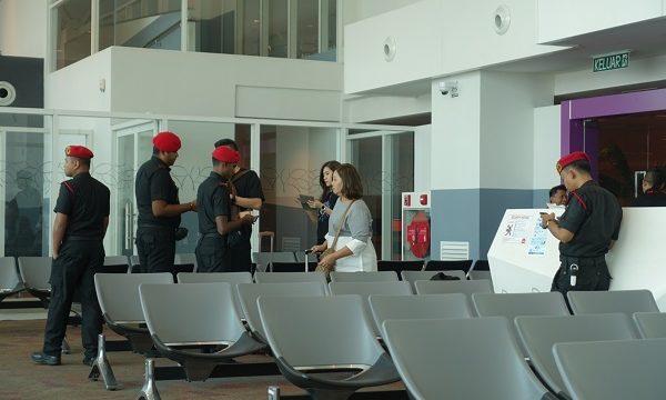 クアラルンプール国際空港2兵隊チェック