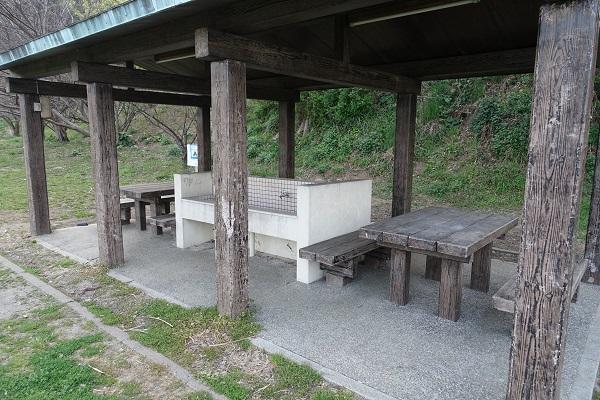 上和田緑地キャンプ場炊事棟