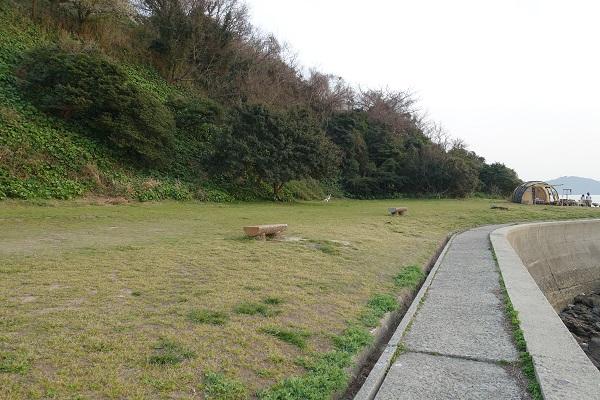 上和田緑地キャンプ場くじら広場