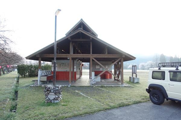 上和田緑地キャンプ場トイレ