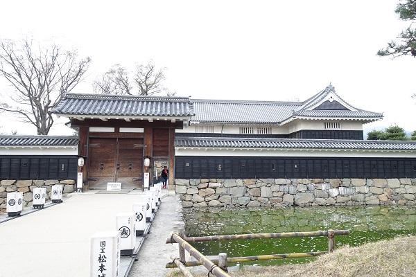 松本城黒門二の門
