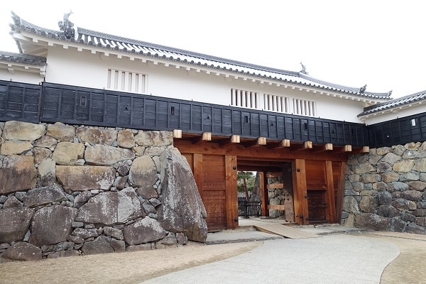 松本城太鼓門二の門