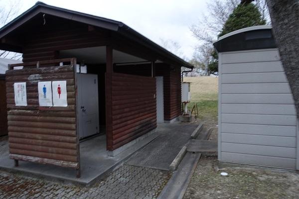 かじかの里公園キャンプ場公園側トイレ