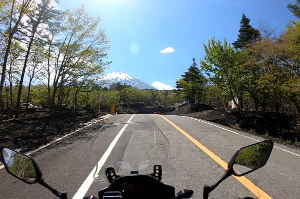 富士あざみらいん途中でみえる富士山