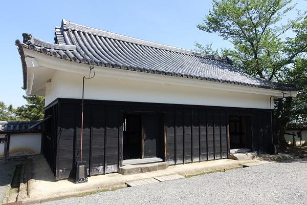 松江城中櫓