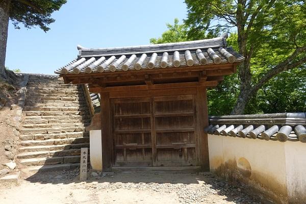 備中松山城本丸御門門