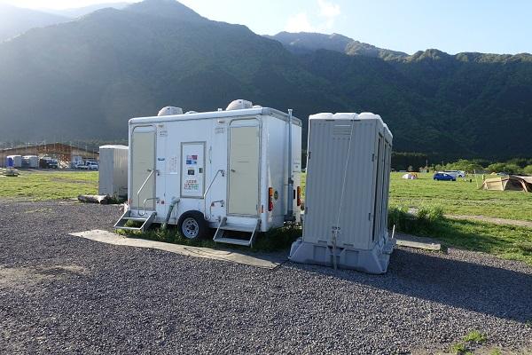 ふもとっぱら移動式トイレ