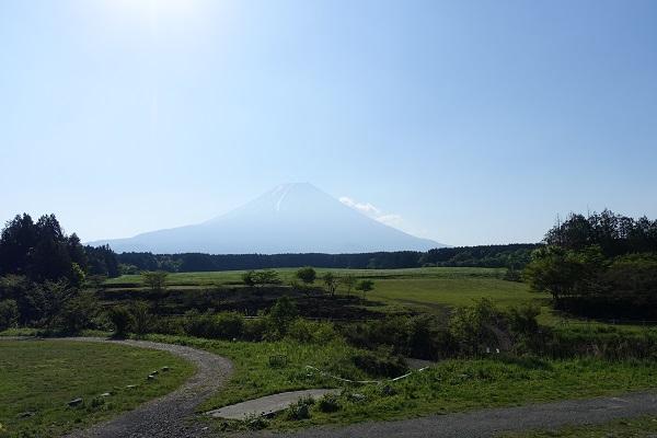 ふもとっぱらからの富士山朝