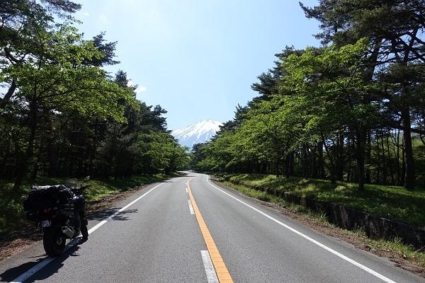 富士あざみラインから富士山へ向かう