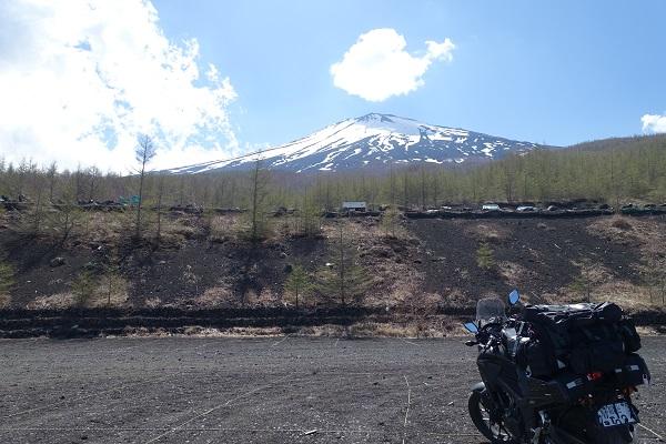 須走口五合目から見上げる富士山