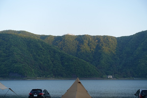 西湖自由キャンプ場から見える富士山