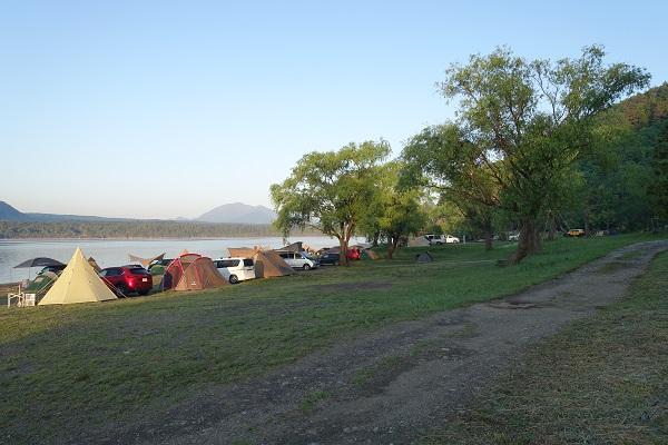 西湖自由キャンプ場サイト