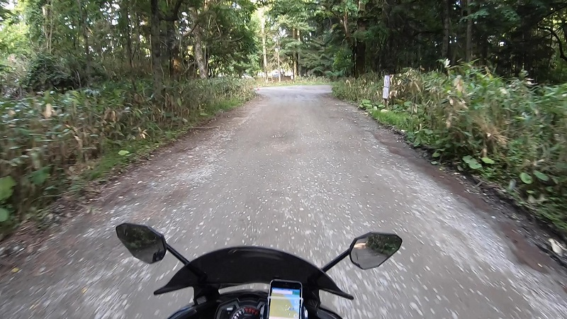 キャンプ場までの道