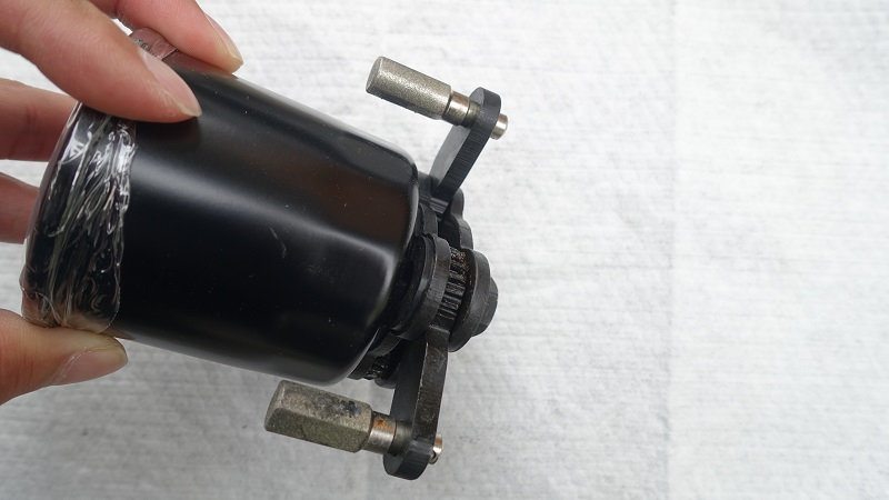 汎用オイルフィルターレンチ:強力磁石