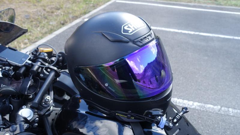 軽く小さいヘルメット