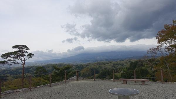 天守台から磐梯山の景色