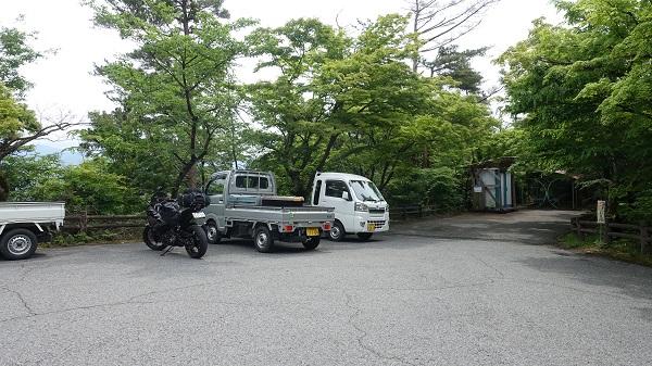 小谷城用駐車場