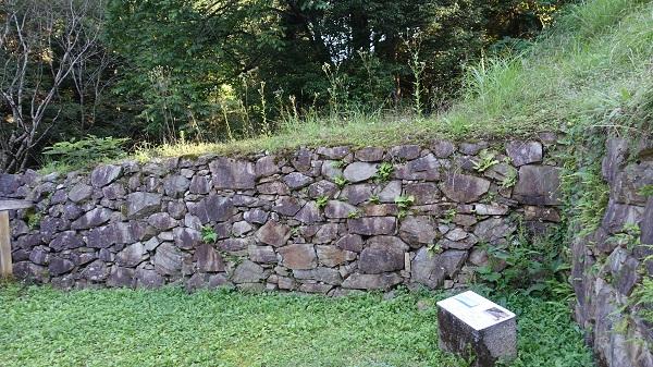 築城当時の石垣
